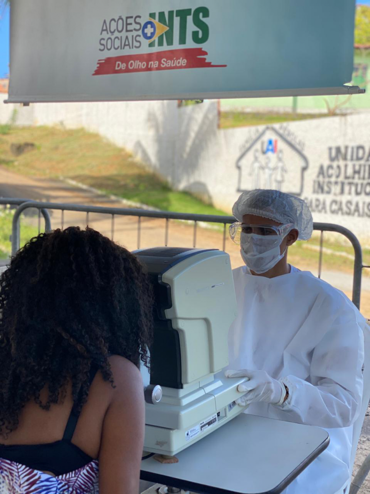 [INTS realiza exames de mamografia e atendimento oftalmológico ]