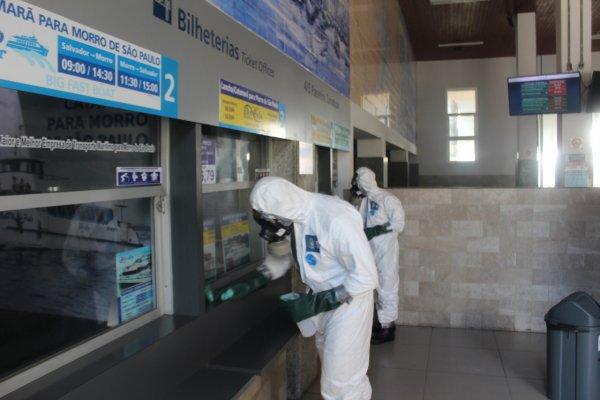 [Comando Conjunto Bahia realizou ação de descontaminação no Terminal Turístico Náutico da Bahia ]